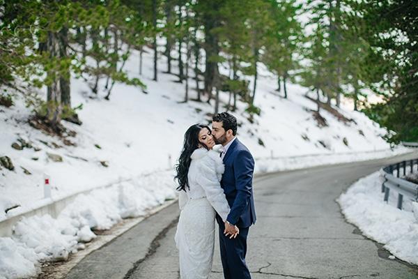 winter-gold-white-tones-wedding_36