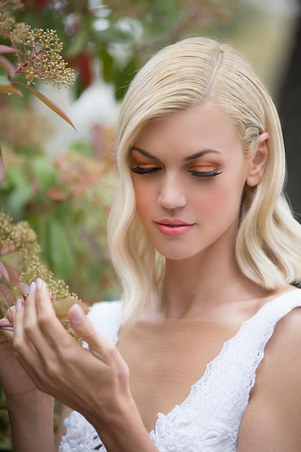 Νυφικό χτένισμα για μαλλιά μεσαίου μήκους