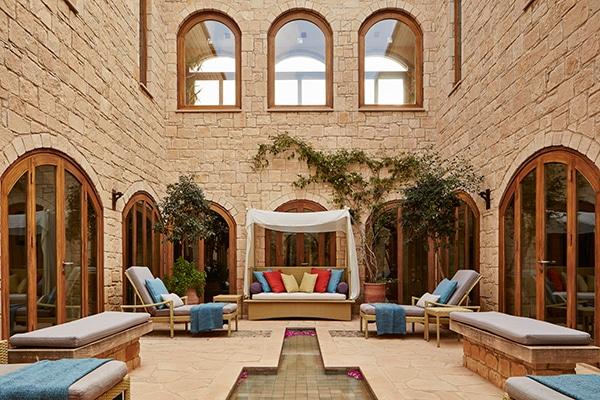 unforgettable-honeymoon-cyprus-aphrodite-hills-hotel_03