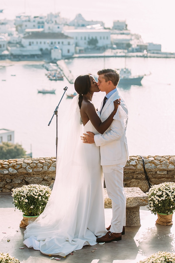 white-green-mykonos-destination-wedding-23