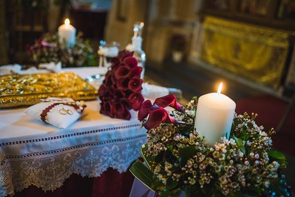 Ρομαντικος στολισμος εκκλησιας με vintage πινελιες