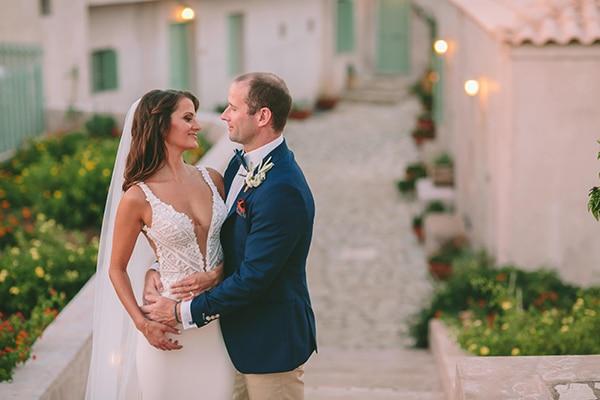 Πανέμορφος γάμος στα Κύθηρα με ρουστίκ στυλ