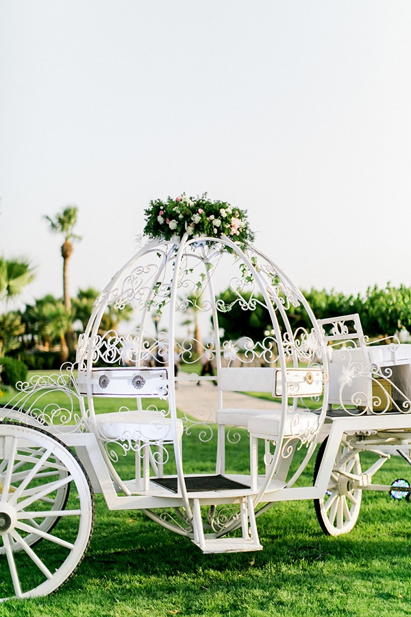 cinderella-inspired-fairytale-wedding_26