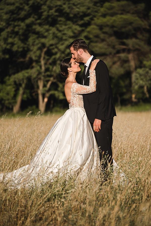 elegant-chic-wedding-wine-museum_04x