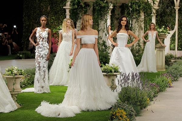Εντυπωσιακο bridal fashion show με νυφικα Pronovias