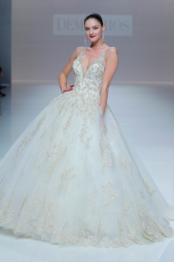 unique-dresses-timeless-elegance-demetrios-bridal-collection-2019_16