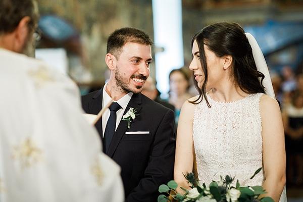 Όμορφος γάμος με πρασινάδα και λευκά άνθη | Άννα & Θέμος