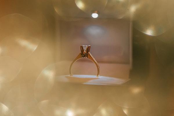 romantic-white-gold-hues-wedding_03