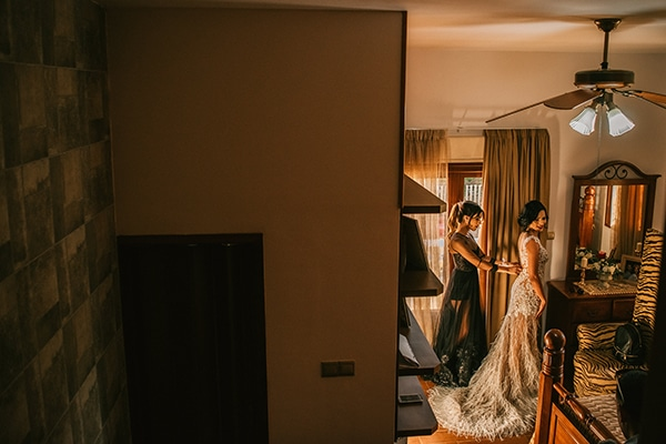 romantic-white-gold-hues-wedding_05