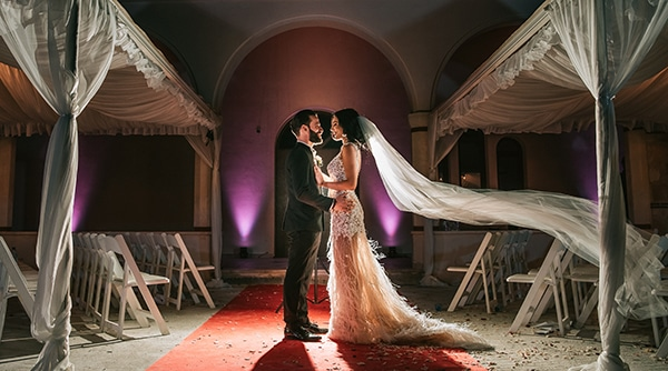 romantic-white-gold-hues-wedding_16