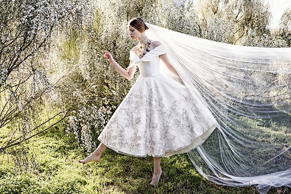 DARE TO BE DIFFERENT with a short wedding dress
