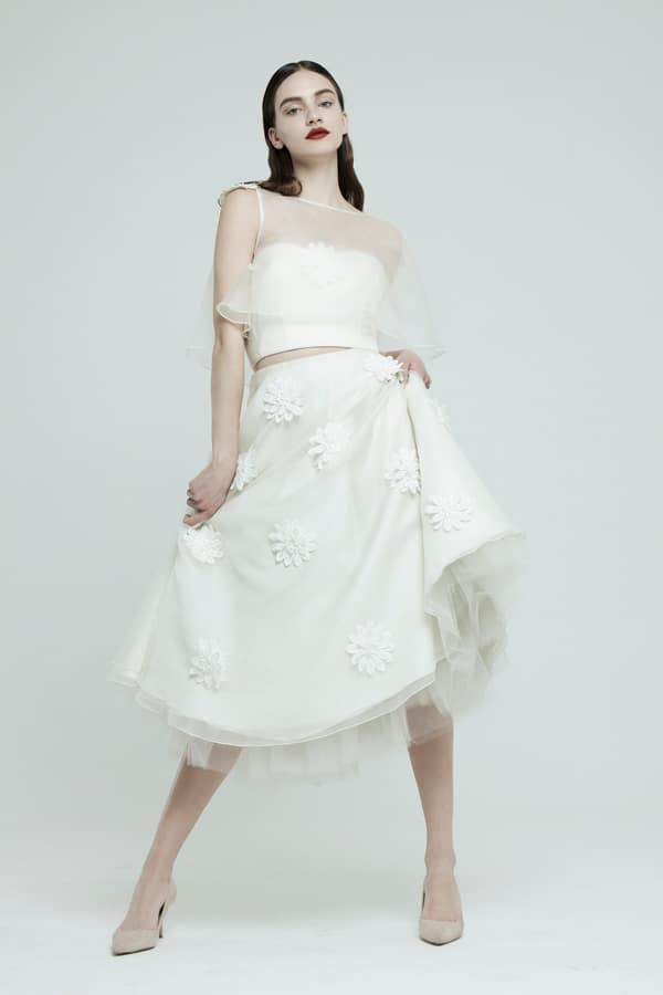 dare-be-different-with-short-wedding-dress_02.
