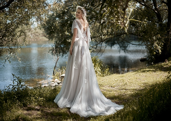 elegant-dreamy-wedding-dresses-victoria-f-collection-maison-signore_09
