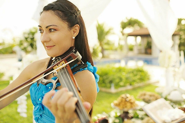 enhance-your-wedding-violin-music-violin-events-music_02