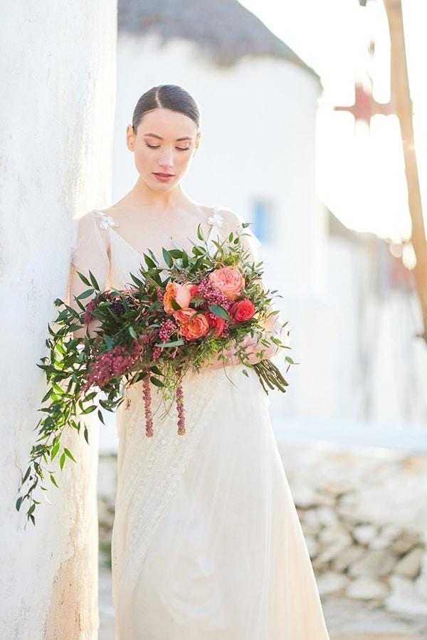 gorgeous-wedding-dress-romantic-flair_01