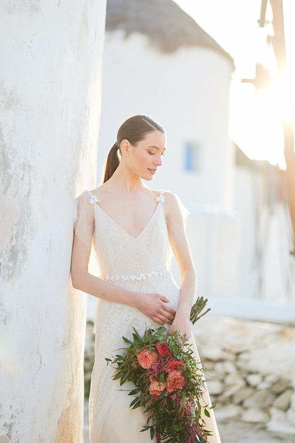 gorgeous-wedding-dress-romantic-flair_04
