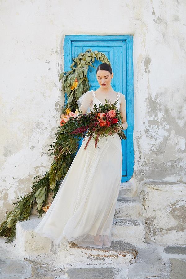 gorgeous-wedding-dress-romantic-flair_06