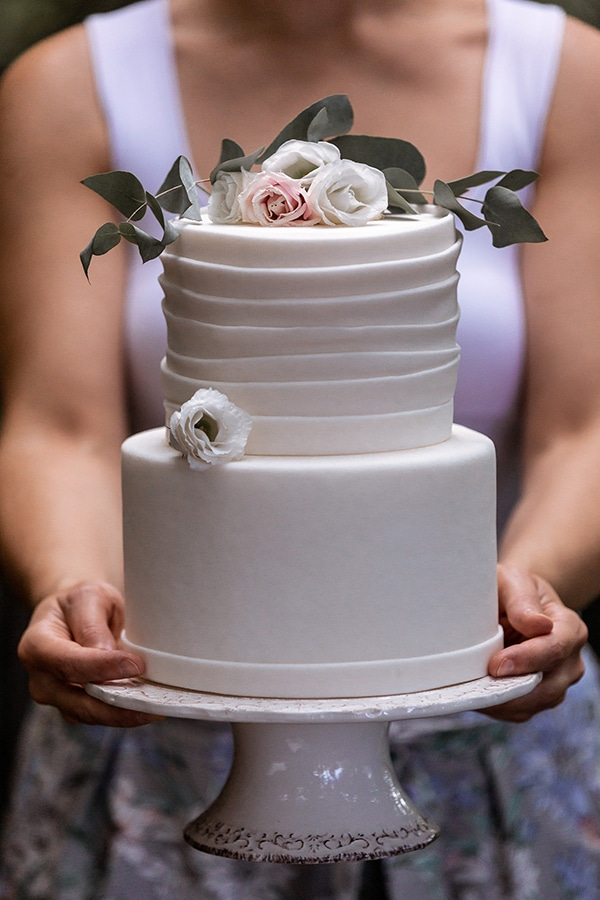 Ολολευκη τουρτα γαμου