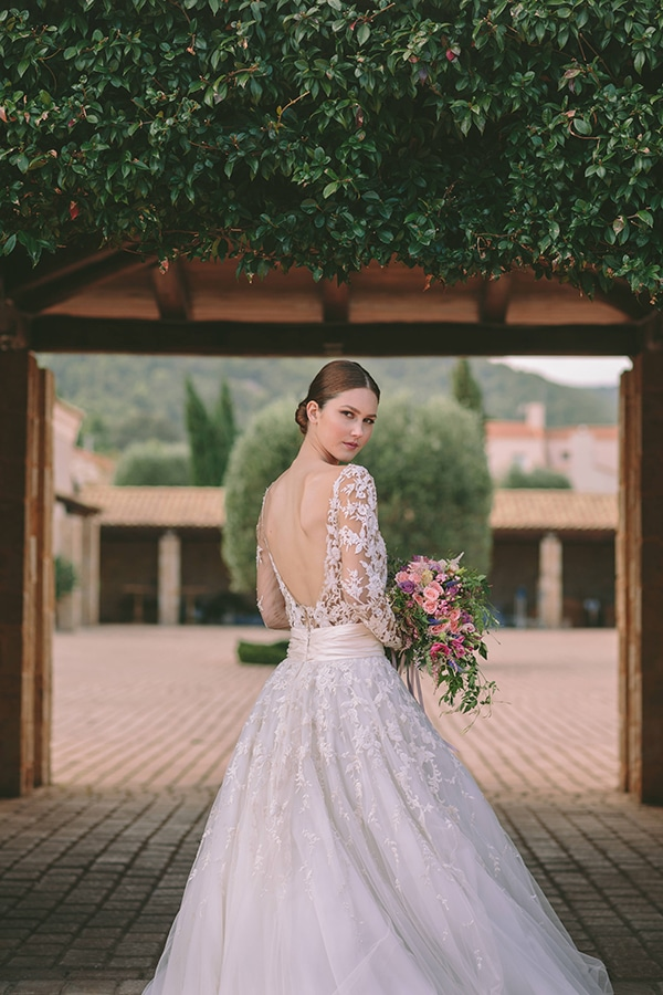 our-favorite-wedding-dresses-with-long-sleeves_05
