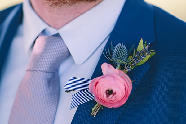 Stylish μπουτονιερες με αληθινα λουλουδια