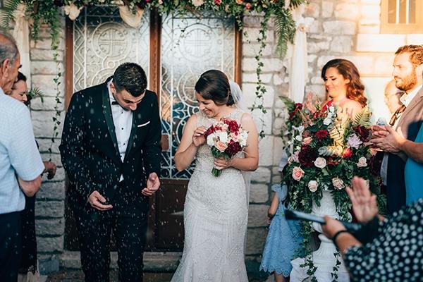 Πανέμορφος γάμος σε μπορντό αποχρώσεις | Άννυ & Οδυσσέας