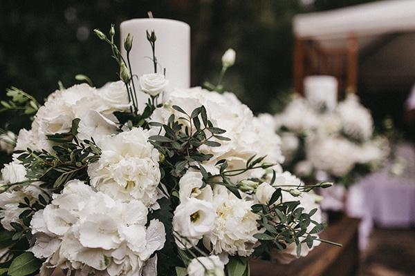 Στολισμος λαμπαδας για ρομαντικο γαμο