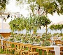 Διακοσμηση δεξιωσης γαμου με πρασιναδα και λουλουδια