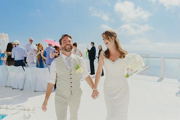 Kομψός minimal γάμος στη Σαντορίνη