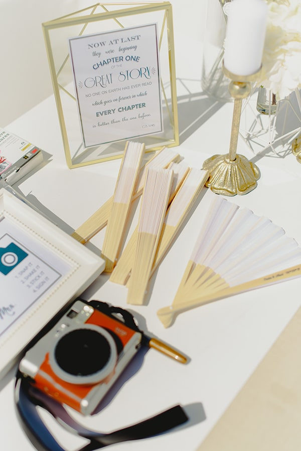 intimate-wedding-minimal-details-santorini_15