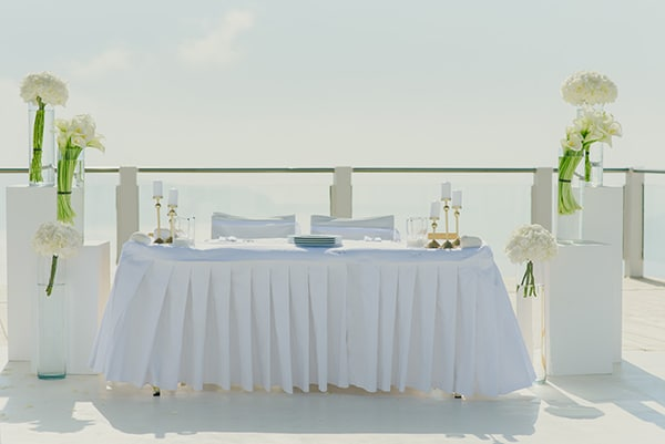 intimate-wedding-minimal-details-santorini_16