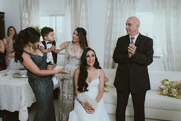modern-romantic-wedding-white-hues_04