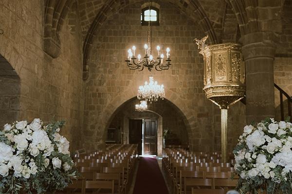 modern-romantic-wedding-white-hues_11