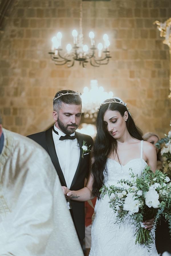 modern-romantic-wedding-white-hues_17