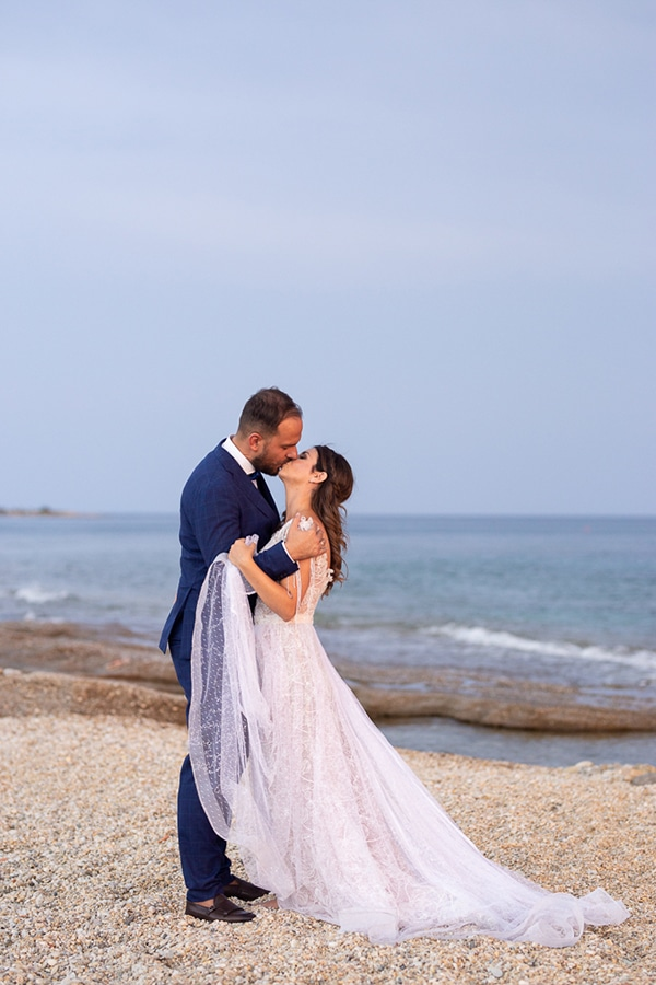 modern-wedding-romantic-details_23