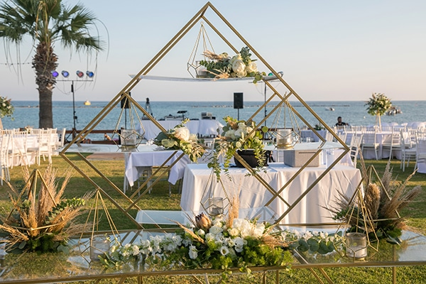summer-wedding-flowers-geometric-details_23
