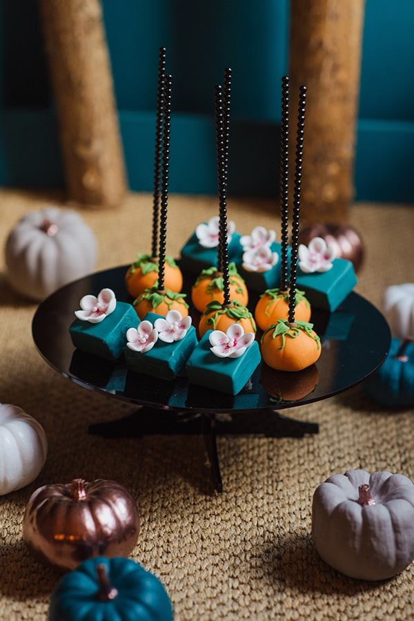 magical-fall-decoration-warm-tones_16