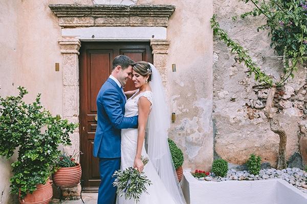 Elegant γάμος με λεβάντα στη Μονεμβασιά