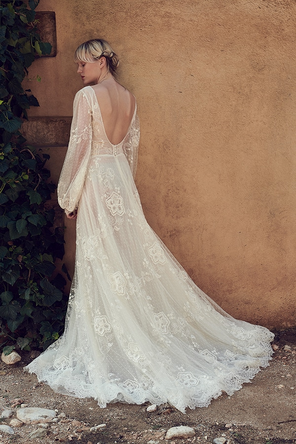 amazing-bridal-creations-fall-wedding-costarellos_03x