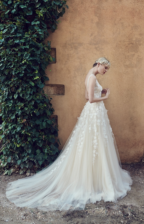 amazing-bridal-creations-fall-wedding-costarellos_05
