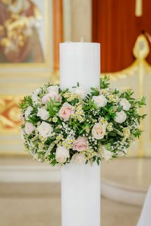 Λαμπαδα με στεφανακι λουλουδιων