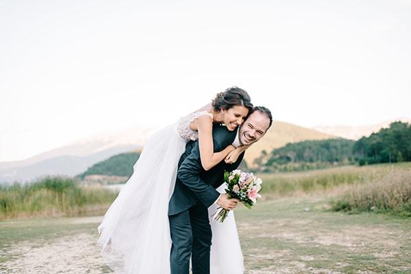 Όμορφος καλοκαιρινός γάμος με έντονα χρώματα | Ευγενία & Παναγιώτης