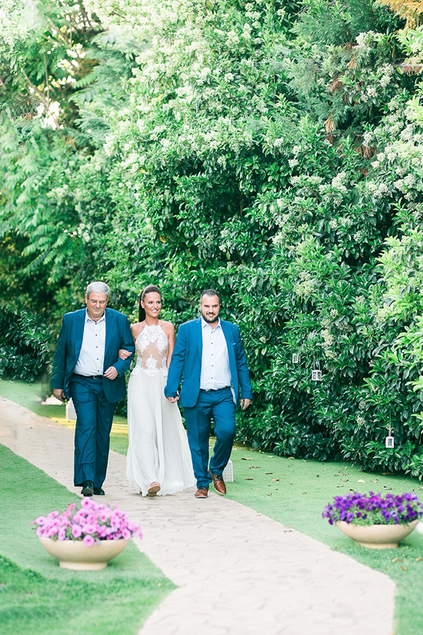 beautiful-summer-wedding-white-hues_06