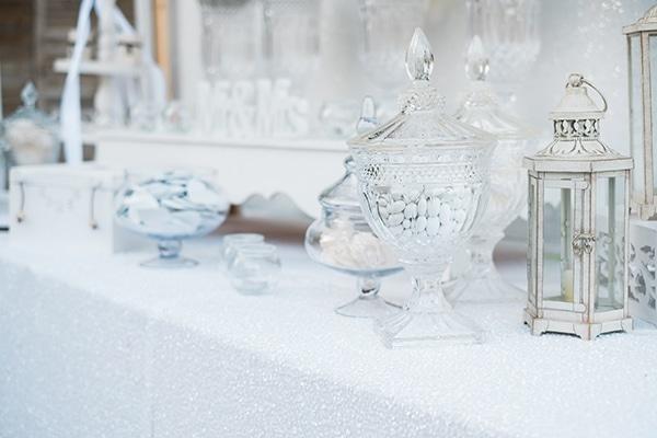 beautiful-summer-wedding-white-hues_14
