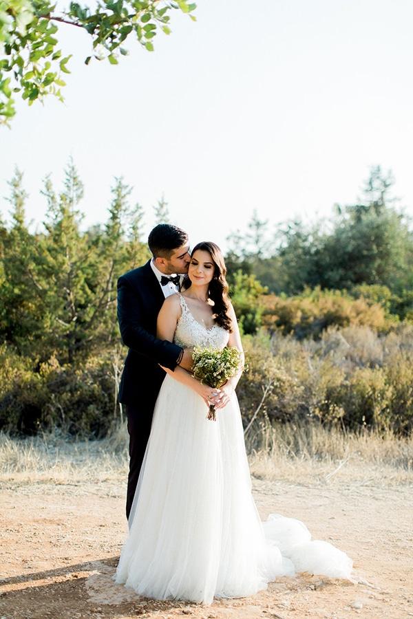 elegant-romantic-wedding-white-hues_05
