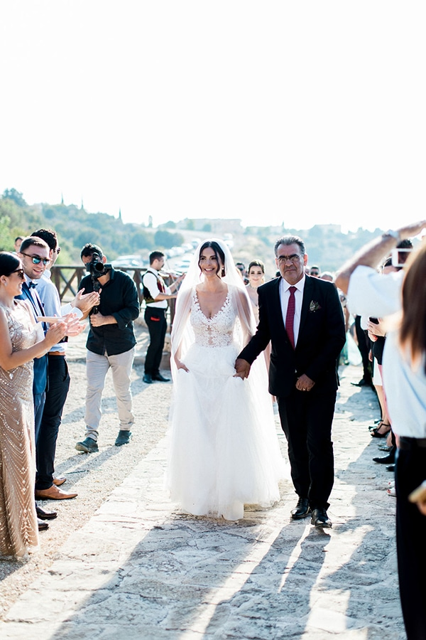 elegant-romantic-wedding-white-hues_22
