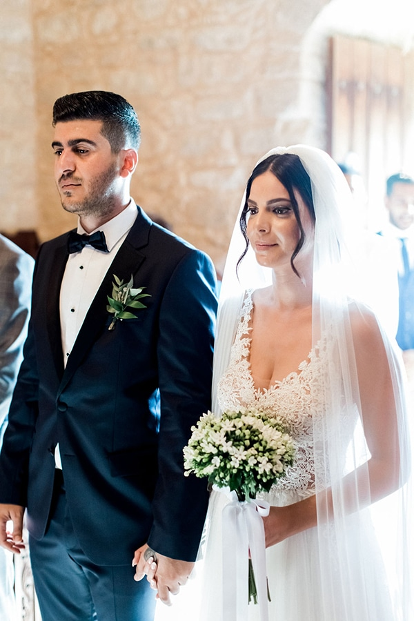 elegant-romantic-wedding-white-hues_25