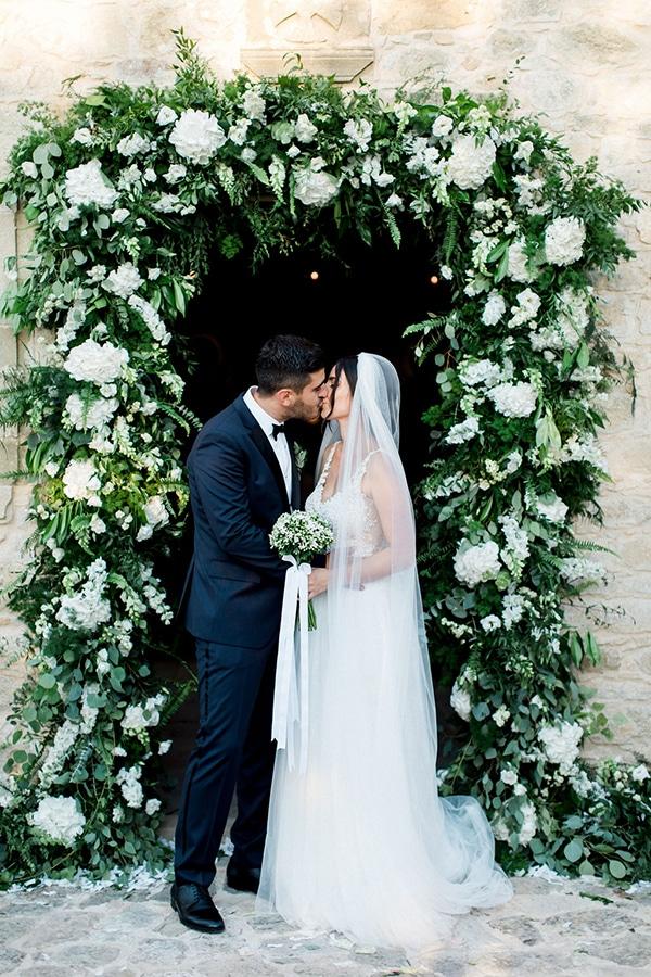 elegant-romantic-wedding-white-hues_31
