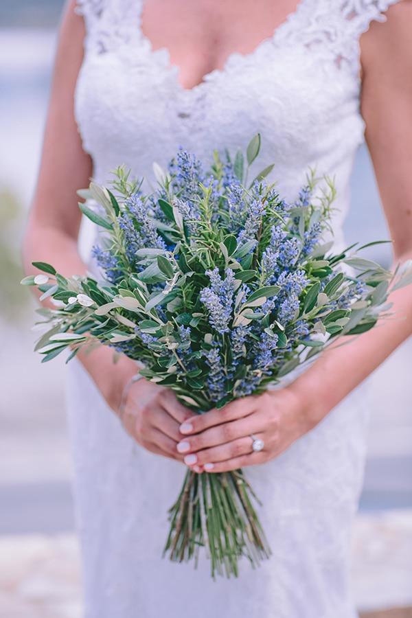 Νυφικη ανθοδεσμη με λεβαντα και φυλλα ελιας