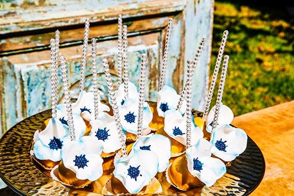 bohemian-chic-wedding-blue-white-hues_23