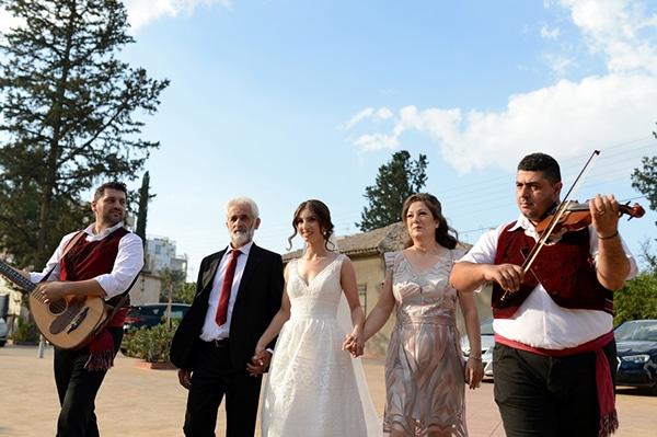 fall-wedding-white-hues_20